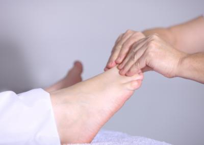 tenu point acupuncture pieds